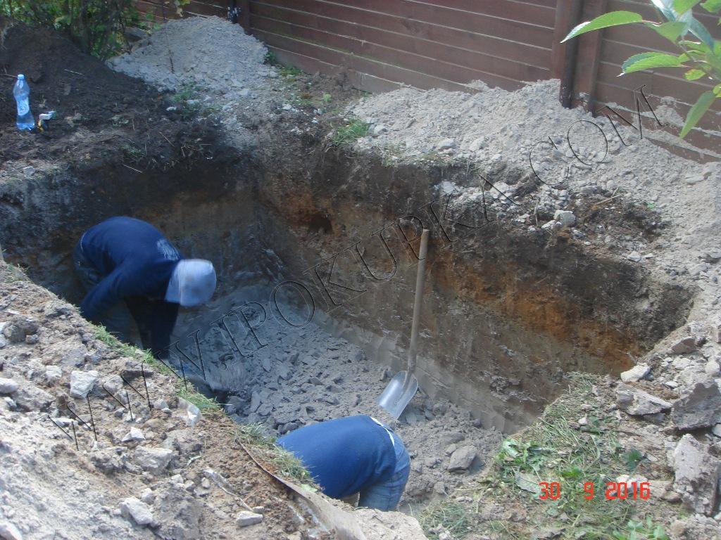Установка пластикового погреба